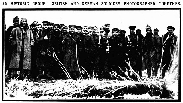 The Daily Mirror printed a photo from the Christmas Truce in 1914.