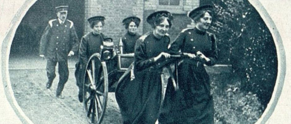 First Worls War women firefighters